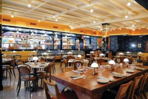 Red-Rooster-Overtown-Dining-Room-MICHAEL-PISARRI