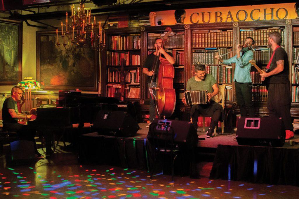 Tango Orchestra, Cachivache