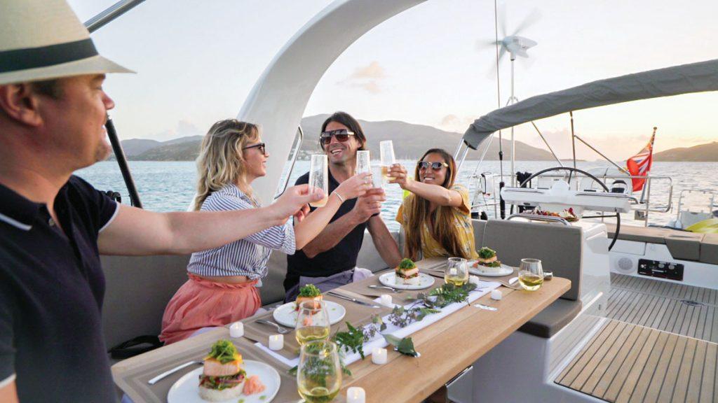 Boatsetter dining