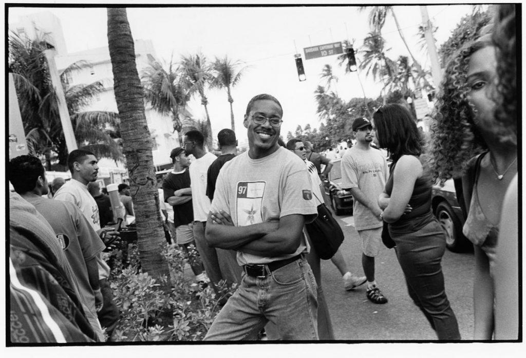 Michael Richards in Miami Beach (1999). Photograph by Keith Holmes, courtesy of Carolyn Swiszcz