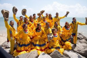 Colombian-Heritage-group-performing-at-CityPlace-Doral